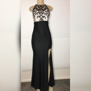 Dresses & Skirts - Black lace side slit prom dress